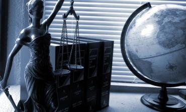 Małoletni na sali sądowej - zmiany w procedurze cywilnej i sądowoadministracyjnej