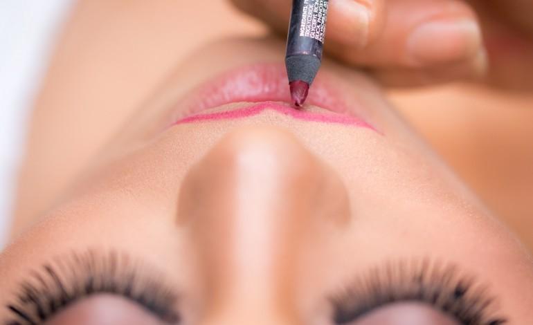 Nie kosmetyczka czy kosmetolog, tylko lekarz z doświadczeniem może zagwarantować bezpieczeństwo podczas zabiegu medycyny estetycznej
