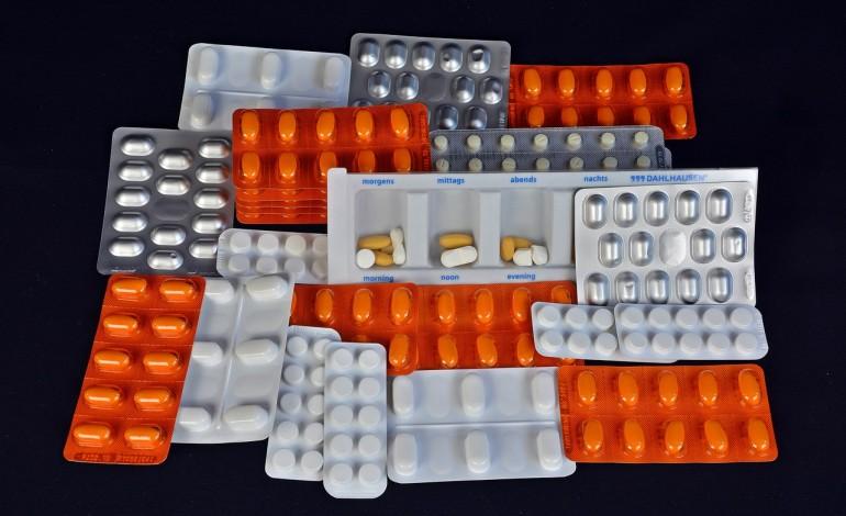 Blisko 50 proc. leków kupowanych w internecie to fałszywki. Polacy wydają na podróbki 100 mln zł rocznie