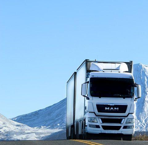 Regulacje transportowe dla FMCG – o czym muszą pamiętać przewoźnicy?