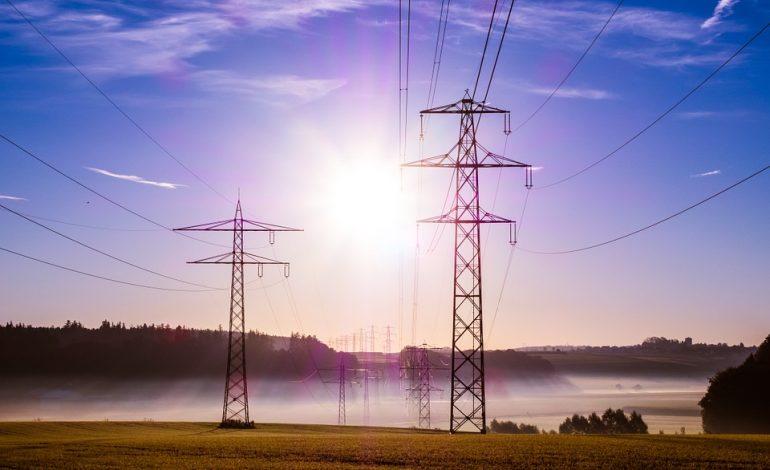 Obrót energią będzie możliwy tylko przez giełdę. Rząd chce wprowadzić zmiany stabilizujące ceny dla przemysłu