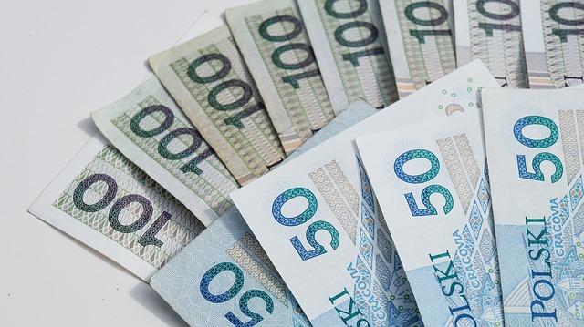 Nawet 320 tys. najmniejszych przedsiębiorców od lutego może skorzystać z tzw. małego ZUS-u plus. Na składkach zaoszczędzą kilkaset złotych miesięcznie