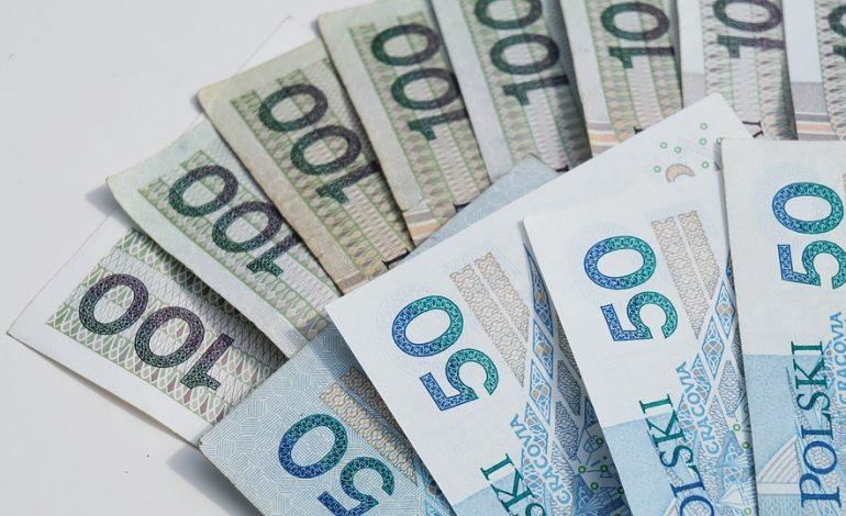 FISE: Zasiłek dla bezrobotnych powinien wynosić 1400 zł. To byłby pakiet ratunkowy dla konsumpcji