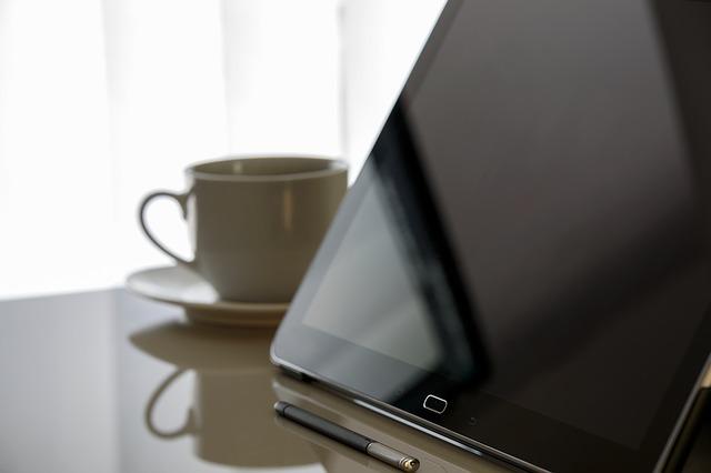 Prędkość łącza internetowego nie zawsze zgodna z umową. Narzędzie Urzędu Komunikacji Elektronicznej do samodzielnego pomiaru pomoże zareklamować usługę