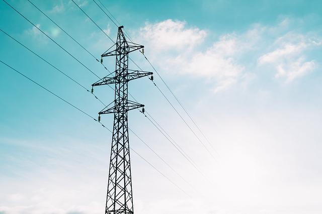 W 2020 roku małe i średnie firmy muszą liczyć się z dużymi podwyżkami cen energii. Mogą spróbować je zablokować na drodze sądowej