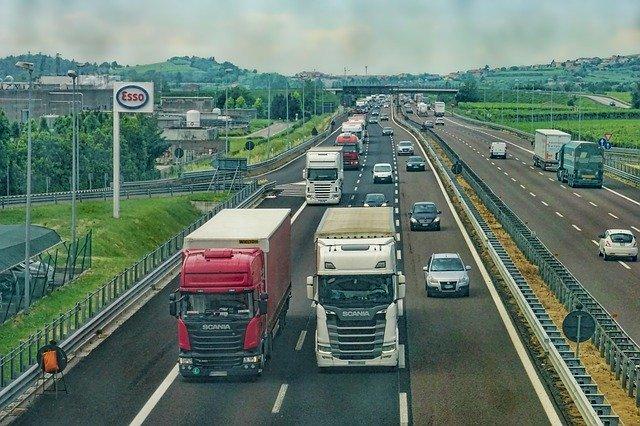 Branża transportowa nie skorzysta na tarczy antykryzysowej. Bez realnej pomocy przewoźników czeka fala upadłości