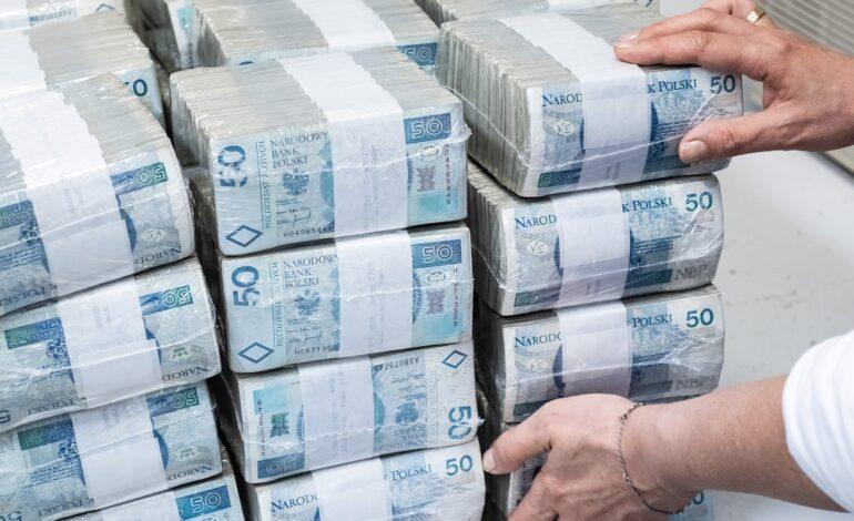 Alimenciarze mają prawie 13 mld długu. Rekordzista ze Śląska zalega blisko 800 tys.