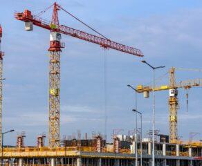 Deweloperski Fundusz Gwarancyjny zwiększy ochronę nabywców mieszkań, ale spowoduje wzrost cen. Branża przeciwna wysokości nowych składek