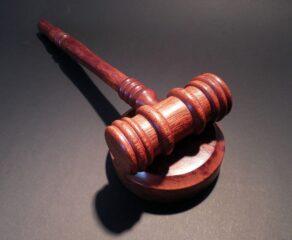 Frankowicze czekają na wyrok Sądu Najwyższego. Okres pandemii może jeszcze zwielokrotnić liczbę spraw w sądach